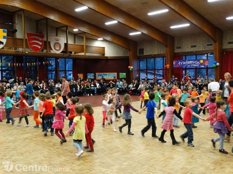 Un bal TRADAMUSE à Ceyrat (63) en 2015 - Photo M. Dautraix / La Montagne